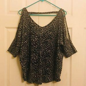 Tops - Cold shoulder blouse